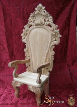 Silla tallada a mano 350 00 accesorios artesanos for Sillas para nino dios
